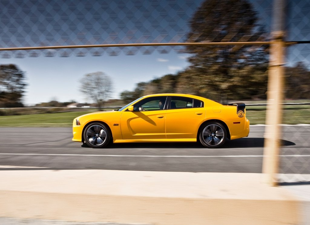 2012 Dodge Charger SRT8 Super Bee Side (Photo 8 of 10)