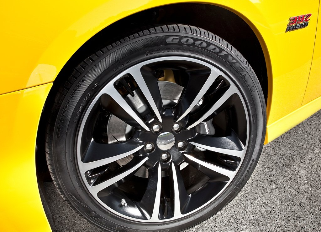 2012 Dodge Charger SRT8 Super Bee Wheel (Photo 10 of 10)