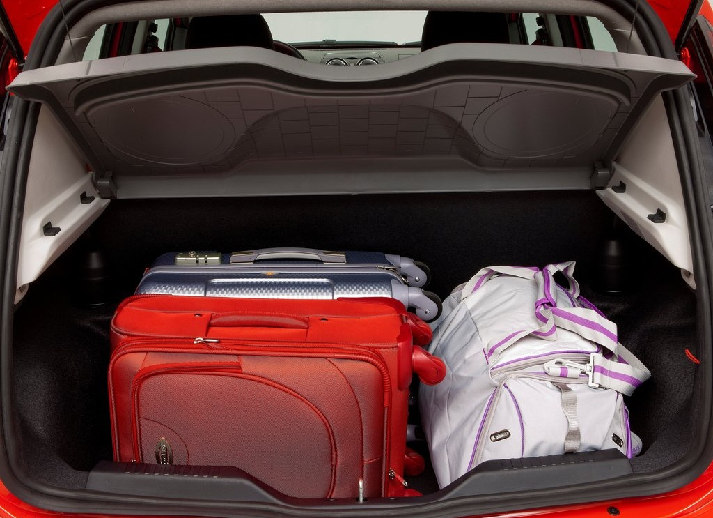 2012 Fiat Palio Trunk (Photo 10 of 10)