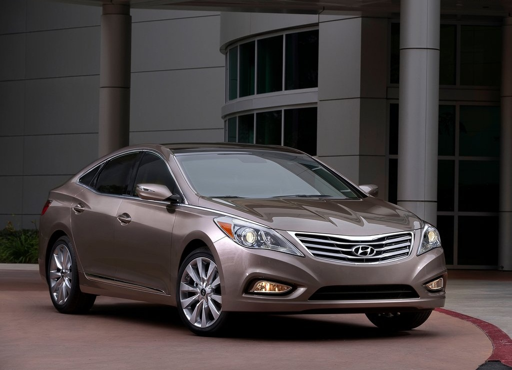 2012 Hyundai Azera (Photo 1 of 8)
