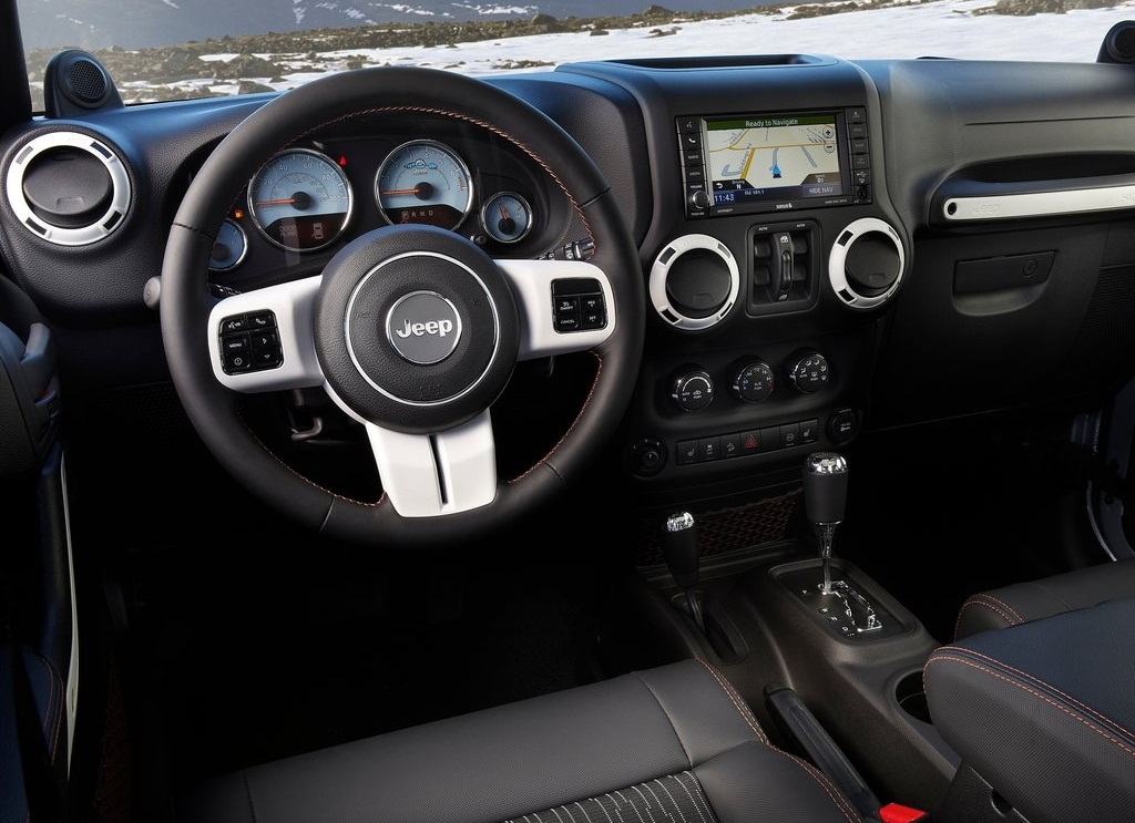 2012 Jeep Wrangler Arctic Interior (Photo 5 of 6)