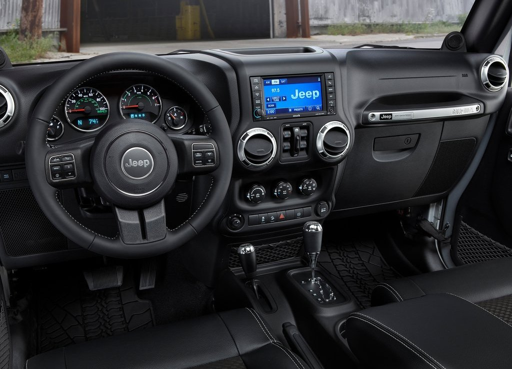 2012 Jeep Wrangler MW3 Interior (Photo 3 of 7)
