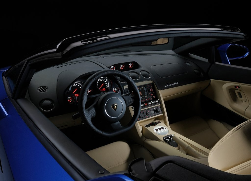 2012 Lamborghini Gallardo LP550 2 Spyder Interior (Photo 3 of 7)