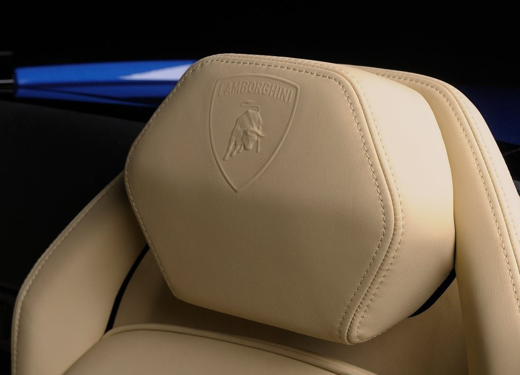 2012 Lamborghini Gallardo LP550 2 Spyder Seat (Photo 6 of 7)