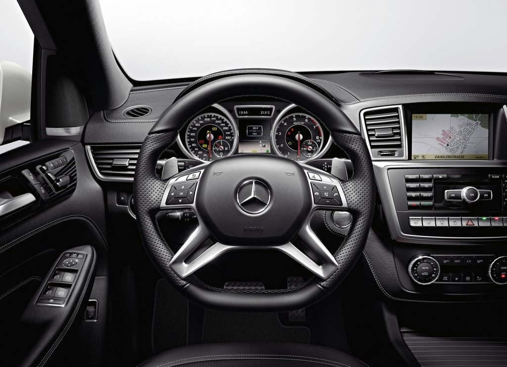 2012 Mercedes Benz ML63 AMG Interior (Photo 4 of 8)