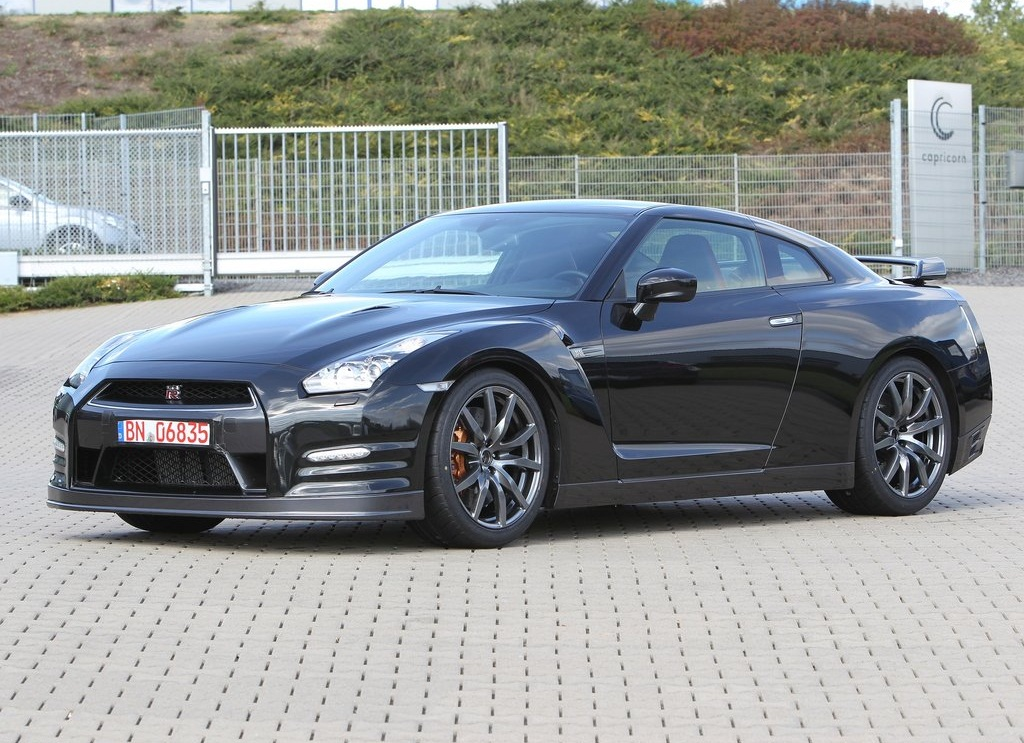 2012 Nissan GT R  (Photo 2 of 9)