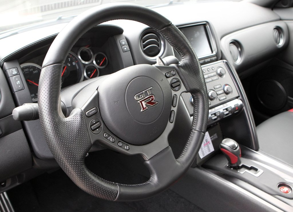 2012 Nissan GT R Interior (Photo 7 of 9)