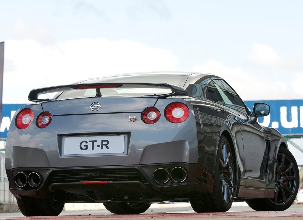 2012 Nissan GT R Rear (Photo 8 of 9)