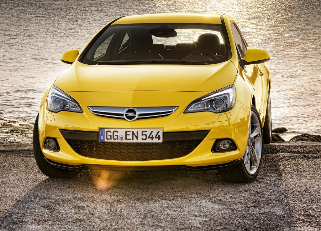 2012 Opel Astra GTC Front (View 4 of 8)