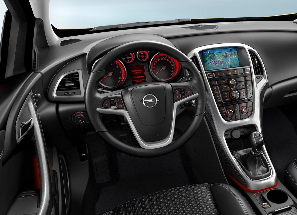2012 Opel Astra GTC Interior (View 5 of 8)