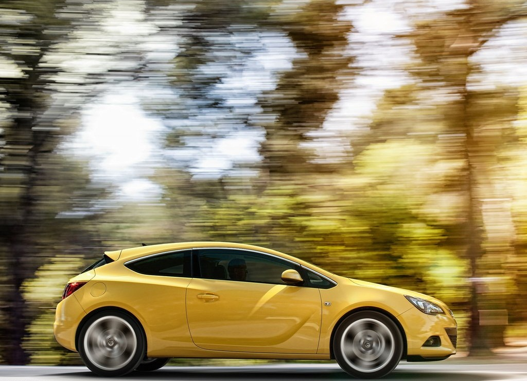 2012 Opel Astra GTC Side (Photo 8 of 8)