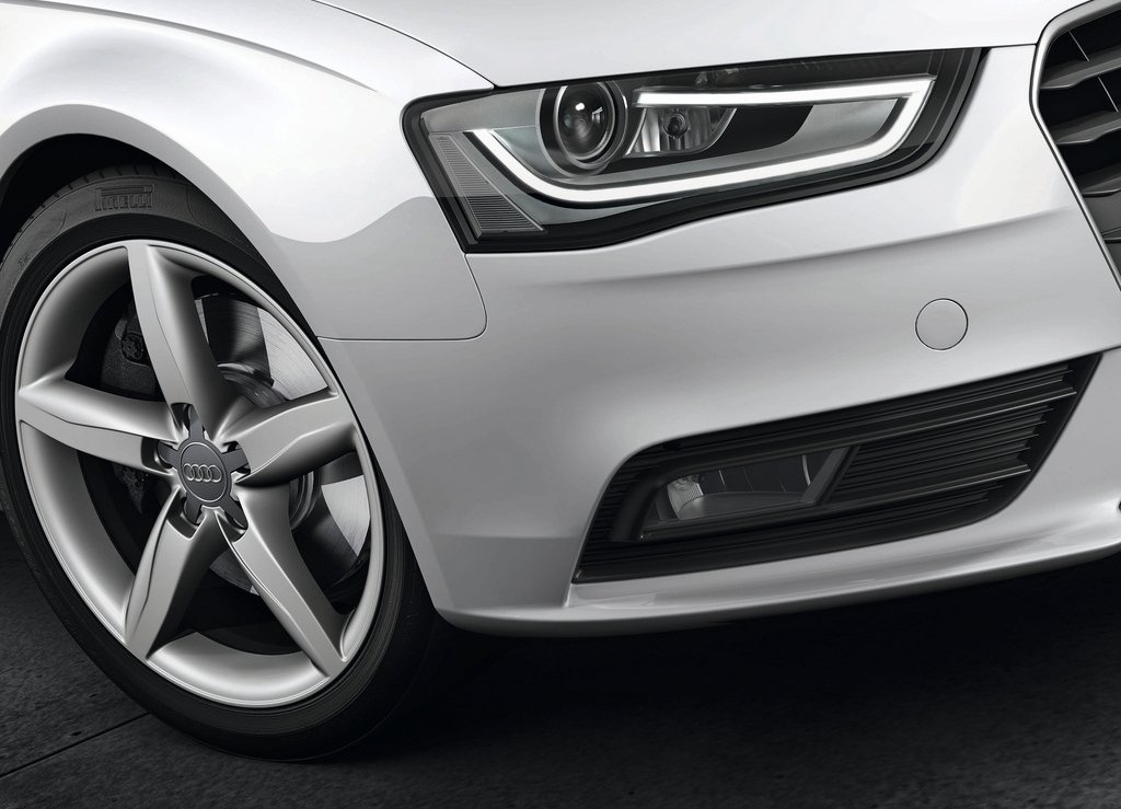 2013 Audi A4 Avant Head Lamp (Photo 4 of 7)
