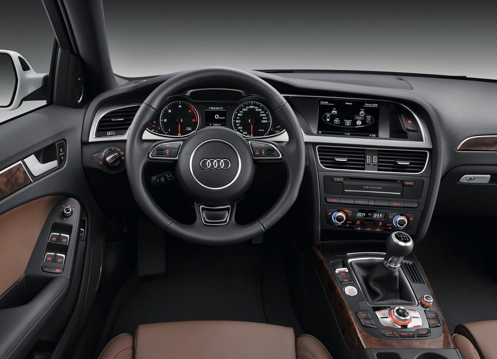 2013 Audi A4 Avant Interior (Photo 5 of 7)