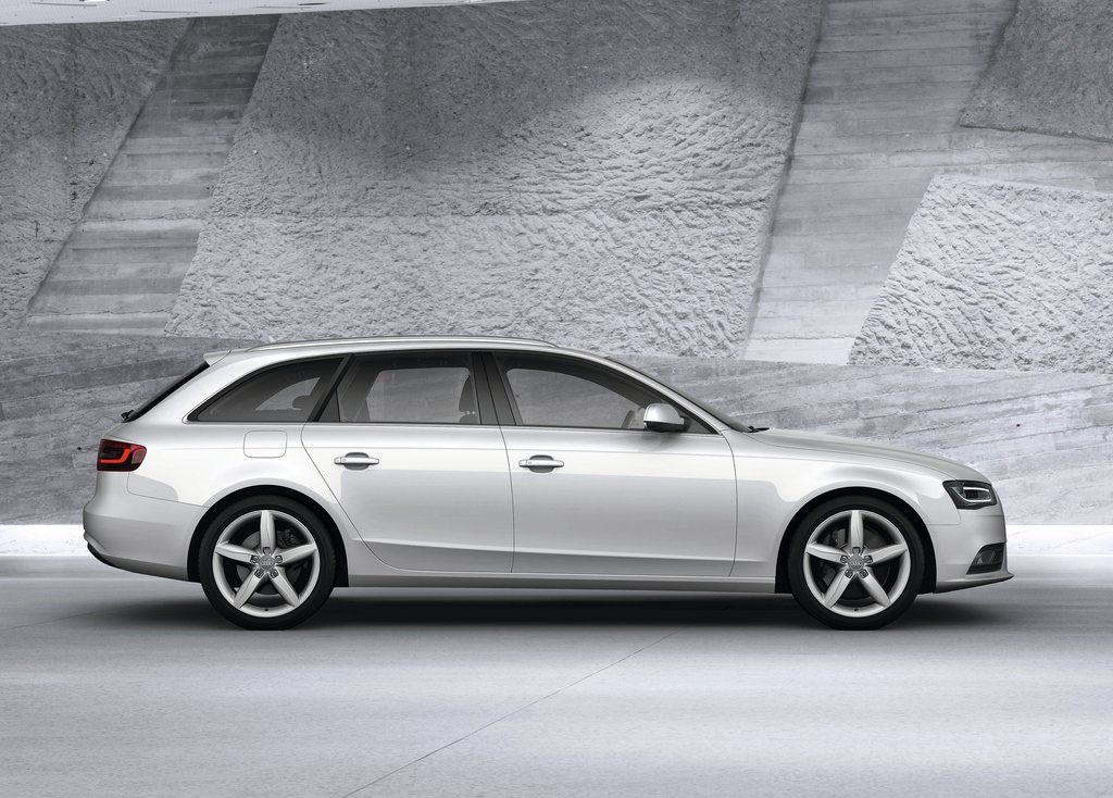 2013 Audi A4 Avant Side (Photo 7 of 7)
