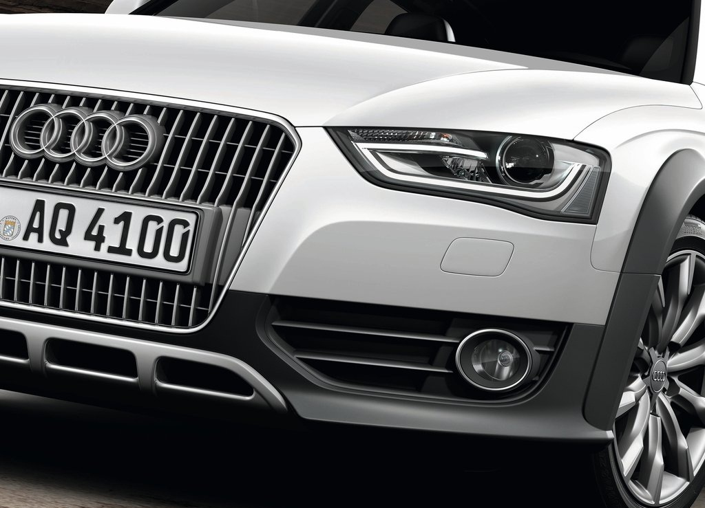 2013 Audi A4 Allroad Quattro Front (Photo 3 of 9)