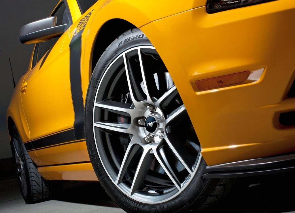 2013 Ford Mustang Boss 302 Wheels (View 6 of 7)