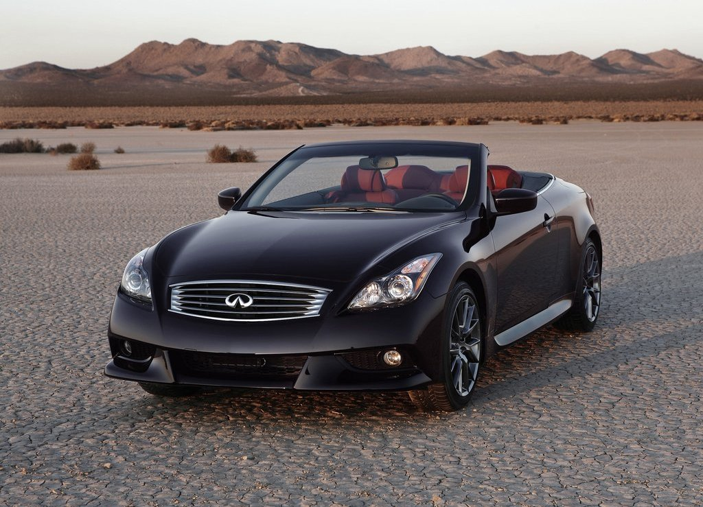 2013 Infiniti IPL G Convertible Front Angle (View 2 of 9)
