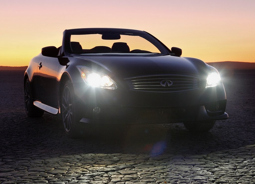 2013 Infiniti IPL G Convertible Front (Photo 2 of 9)