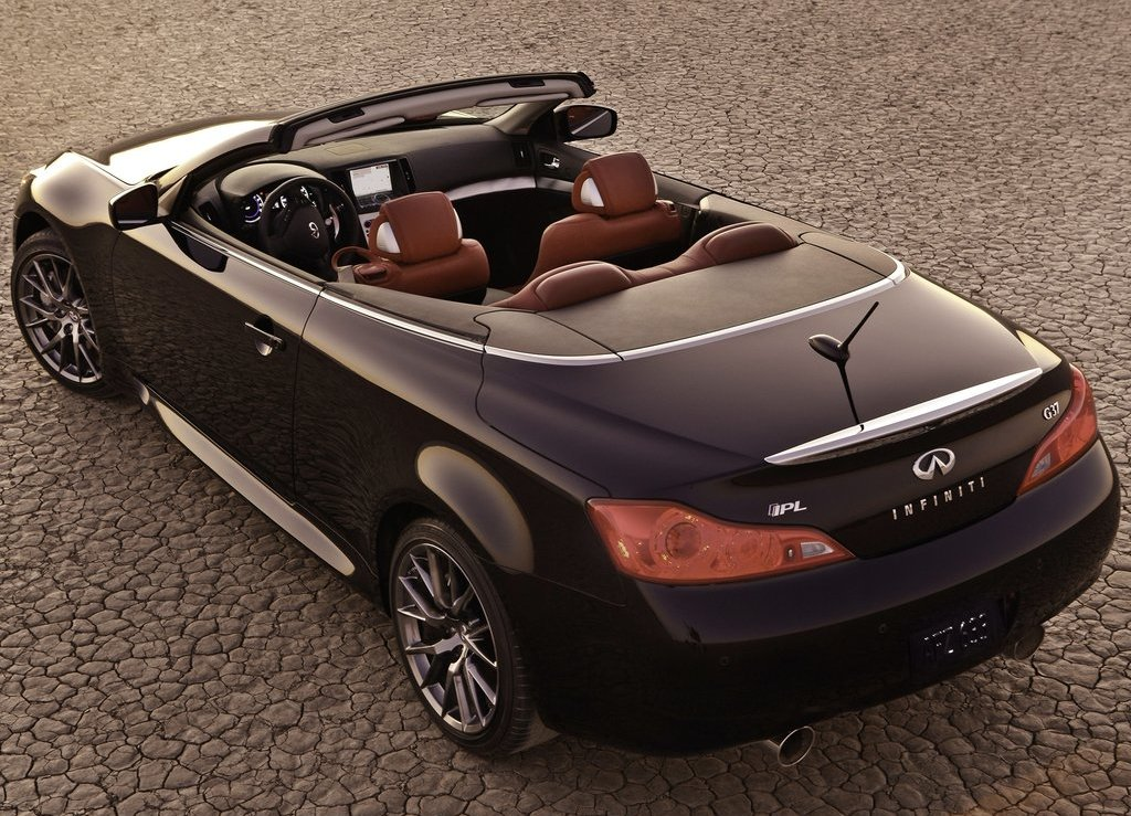 2013 Infiniti IPL G Convertible Rear (View 5 of 9)