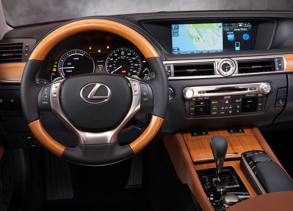 2013 Lexus GS 450h Feature (Photo 3 of 10)