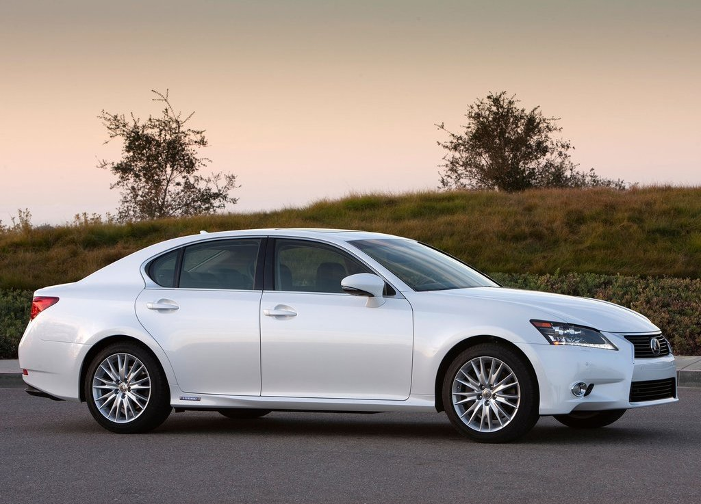 2013 Lexus GS 450h Right Side (Photo 9 of 10)