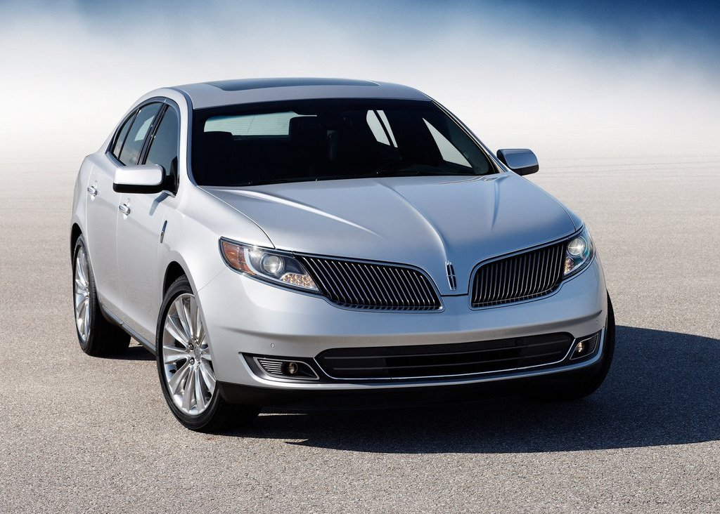 2013 Lincoln MKS Front Angle (Photo 3 of 8)