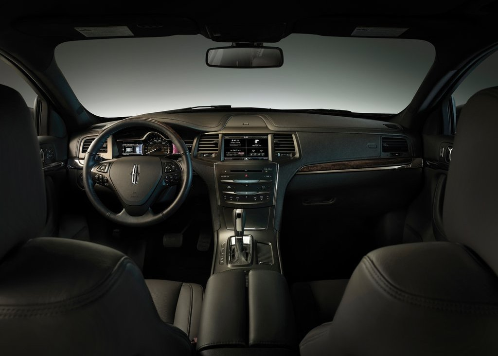 2013 Lincoln MKS Interior (View 3 of 8)