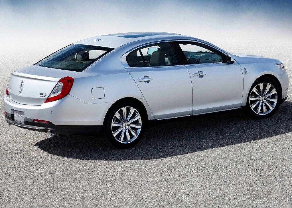 2013 Lincoln MKS Right Side (View 5 of 8)