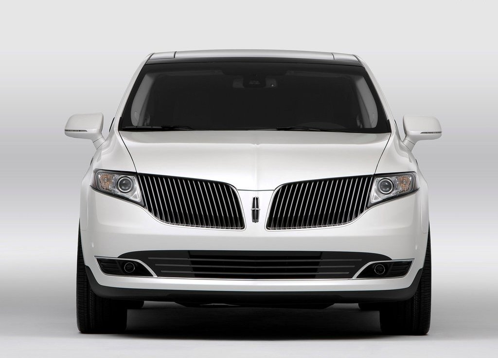 2013 Lincoln MKT Front (View 4 of 9)