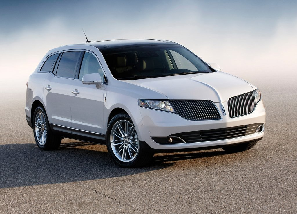 2013 Lincoln MKT (Photo 1 of 9)