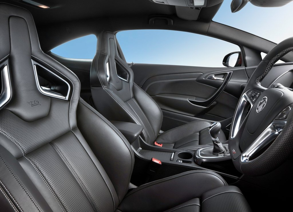 2013 Vauxhall Astra VXR Interior (Photo 2 of 4)