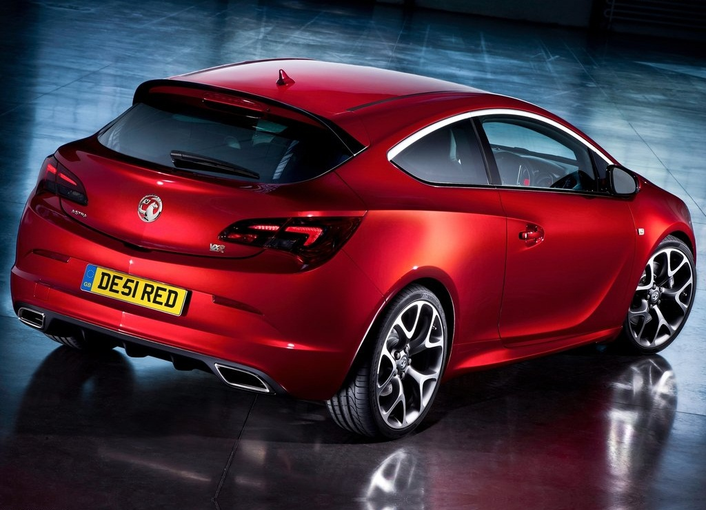 2013 Vauxhall Astra VXR Rear (Photo 3 of 4)