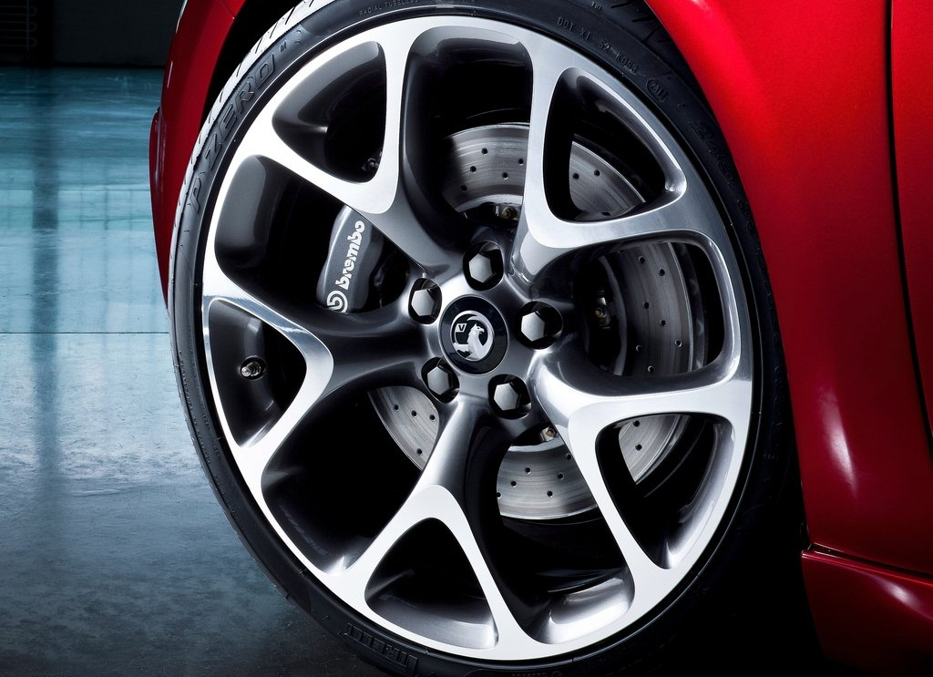 2013 Vauxhall Astra VXR Wheel (Photo 4 of 4)