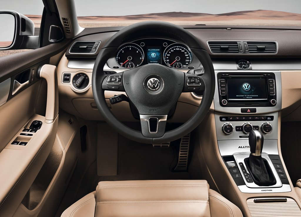 2013 Volkswagen Passat Alltrack Feature (Photo 2 of 6)