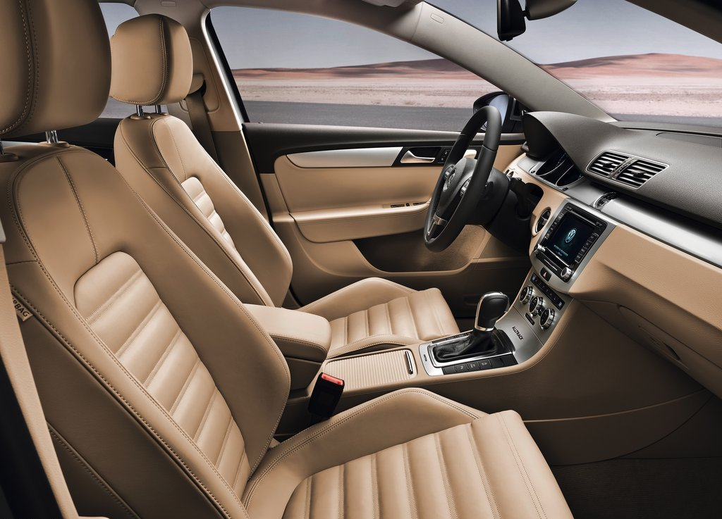 2013 Volkswagen Passat Alltrack Seat (Photo 6 of 6)