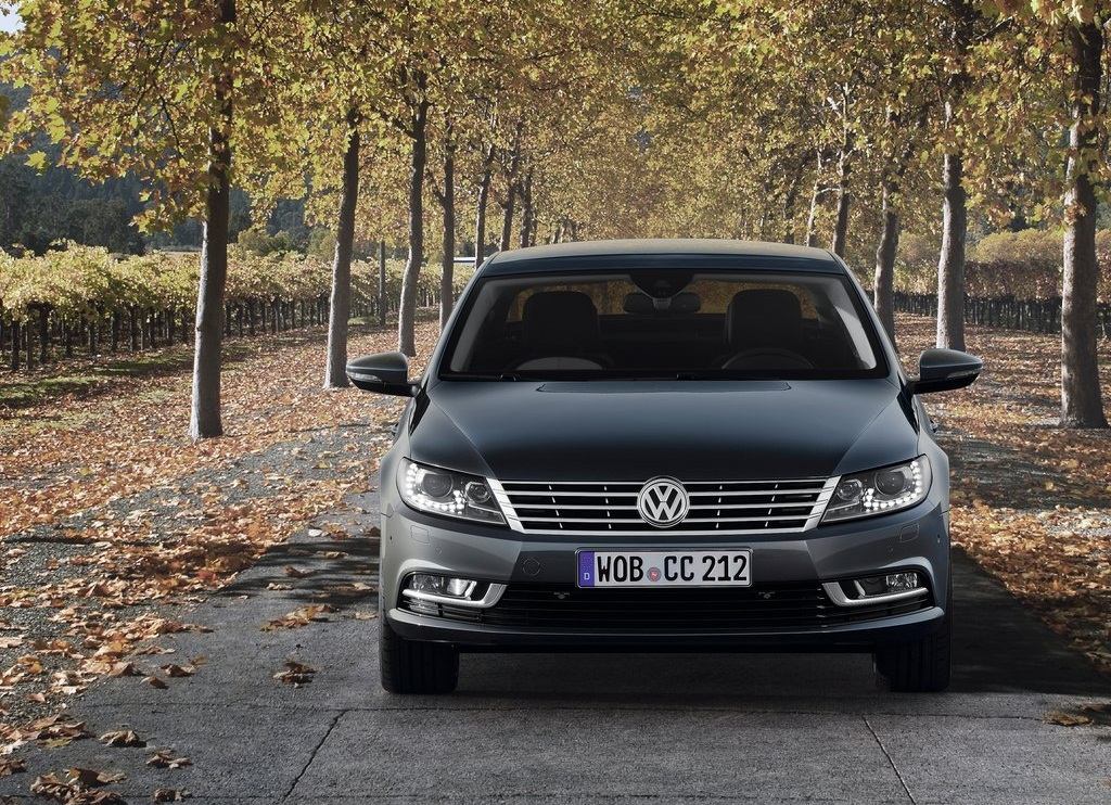 2013 Volkswagen Passat CC Front (Photo 3 of 8)