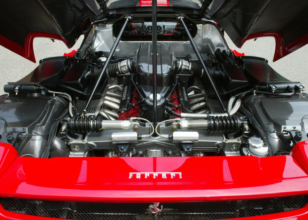 2002 Ferrari Enzo Engine (Photo 2 of 11)