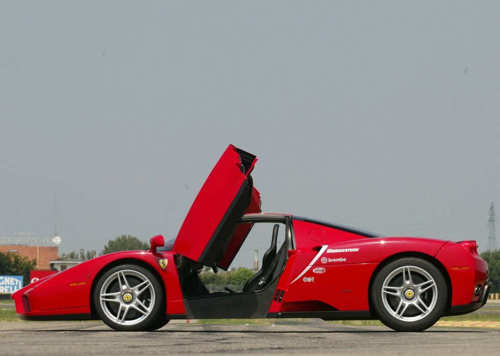 2002 Ferrari Enzo Left Side (Photo 7 of 11)