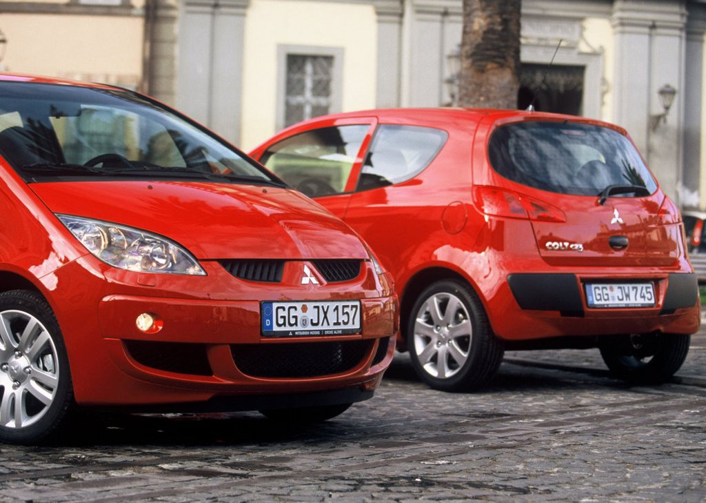 2005 Mitsubishi Colt CZ3  (Photo 2 of 9)