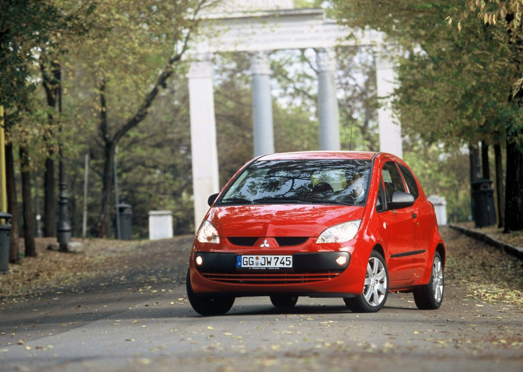 2005 Mitsubishi Colt CZ3 Front (Photo 3 of 9)