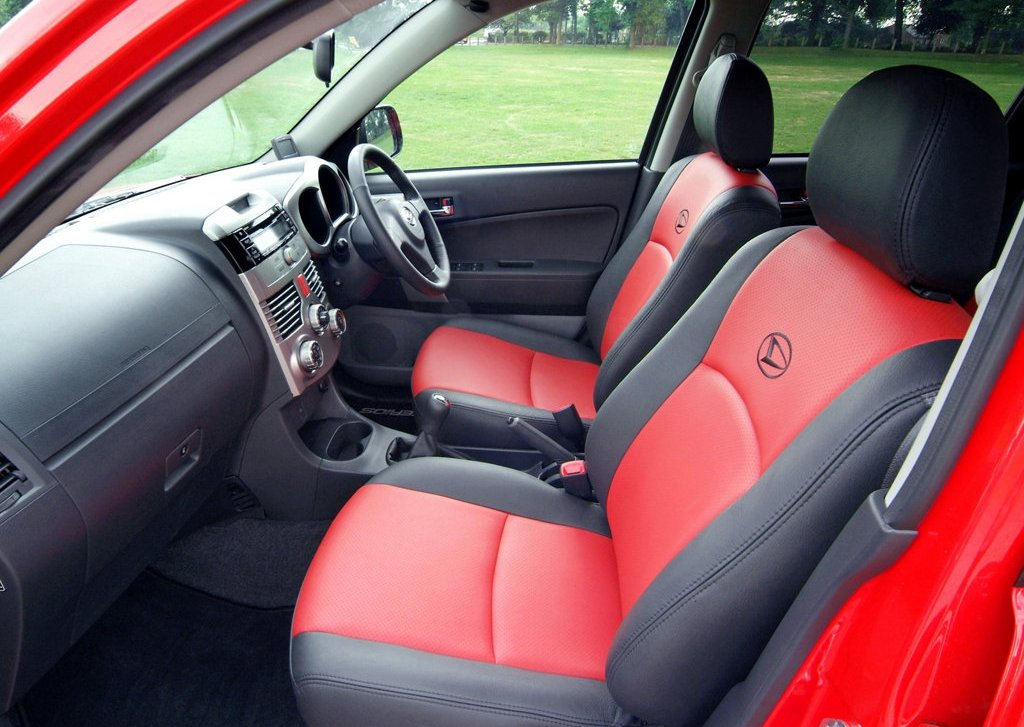 2007 Daihatsu Terios Interior (Photo 3 of 6)