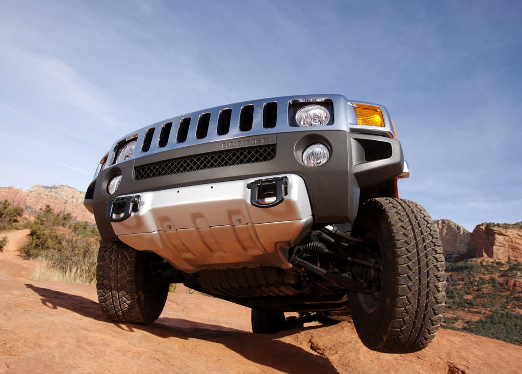 2008 Hummer H3 Alpha Front Angle (Photo 3 of 8)