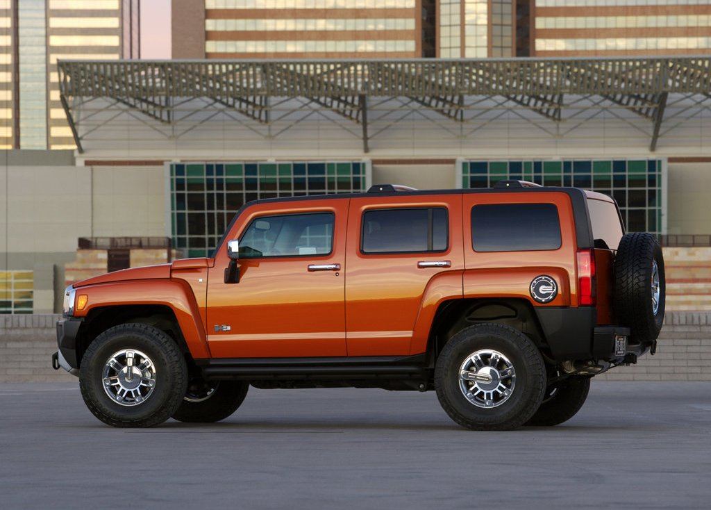 2008 Hummer H3 Alpha Left Side (Photo 5 of 8)