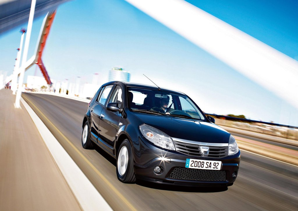 2009 Dacia Sandero Front (Photo 3 of 9)