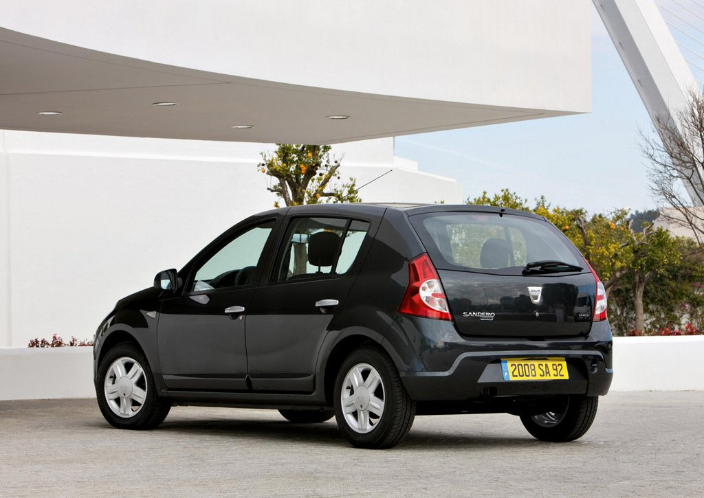 2009 Dacia Sandero Rear (Photo 7 of 9)