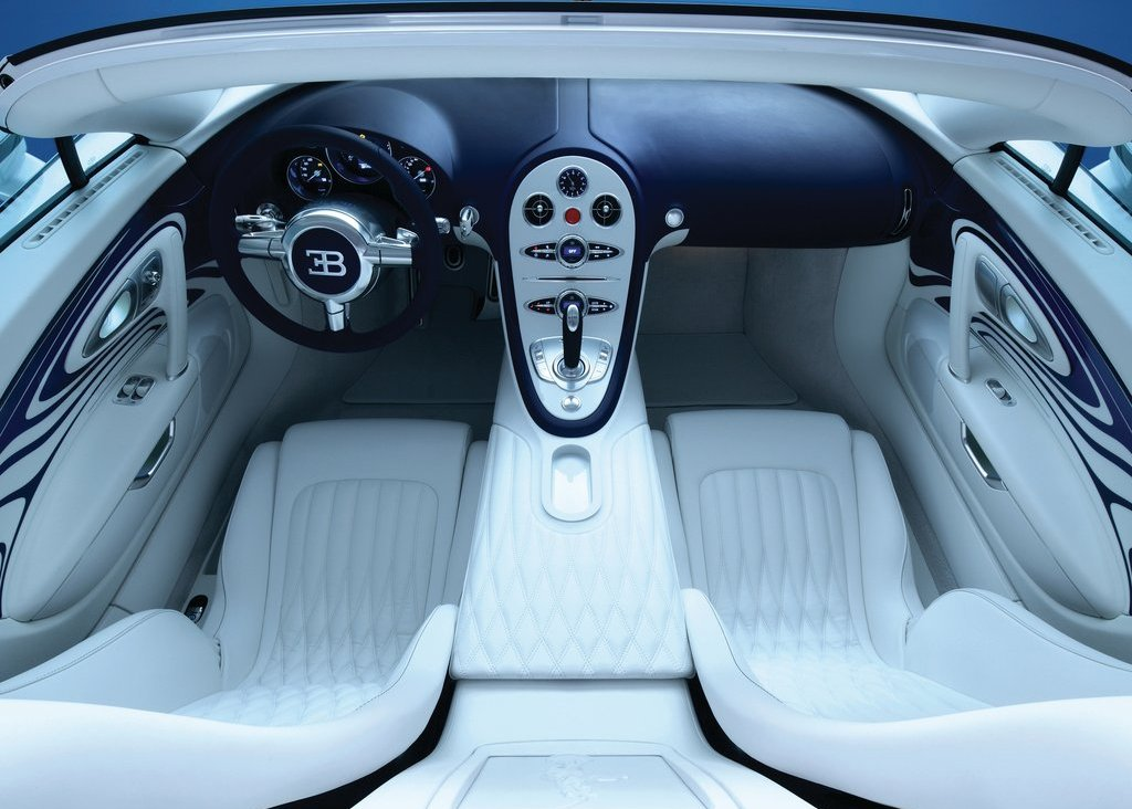 2011 Bugatti Veyron Grand Sport LOr Blanc Interior (View 3 of 8)