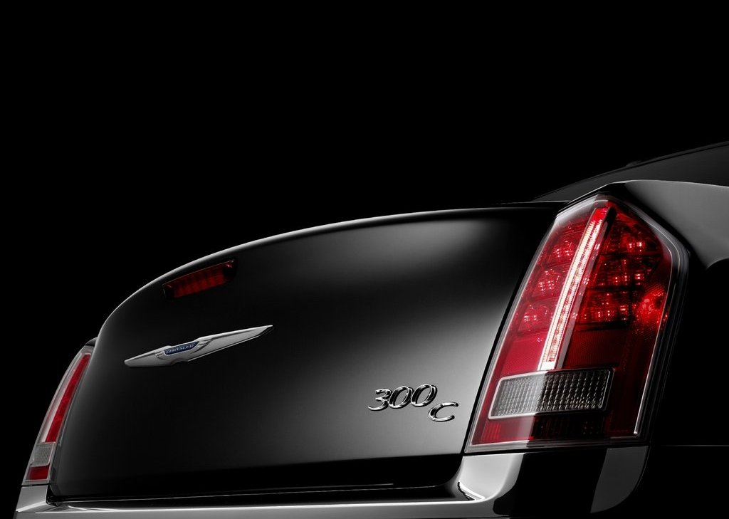 2011 Chrysler 300 Behind (View 1 of 10)