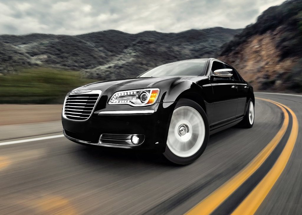 2011 Chrysler 300 Front (View 3 of 10)