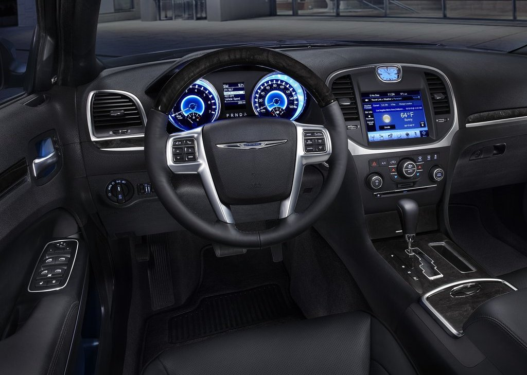 2011 Chrysler 300 Interior (View 4 of 10)