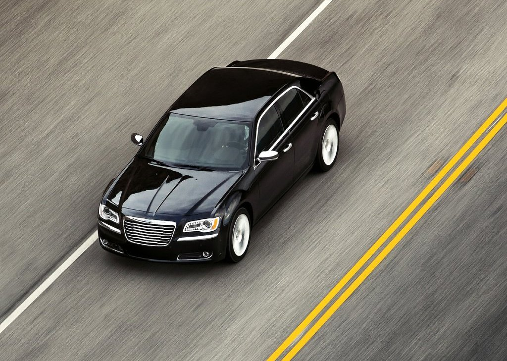 2011 Chrysler 300 Top (Photo 10 of 10)